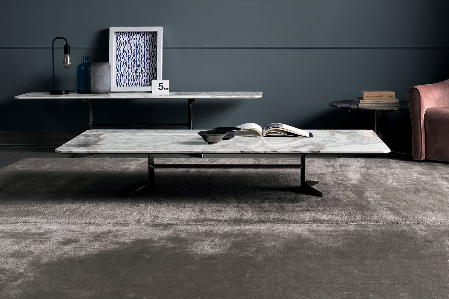 Low coffee table with a metal y-base or a 3-star base, marble, lacquer or oak wood top