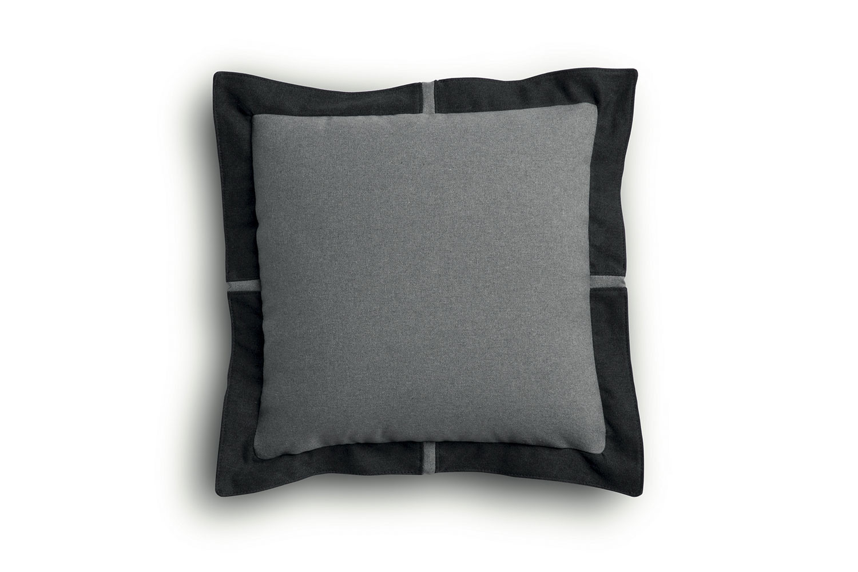 Flange edge scatter cushion 55x55 cm