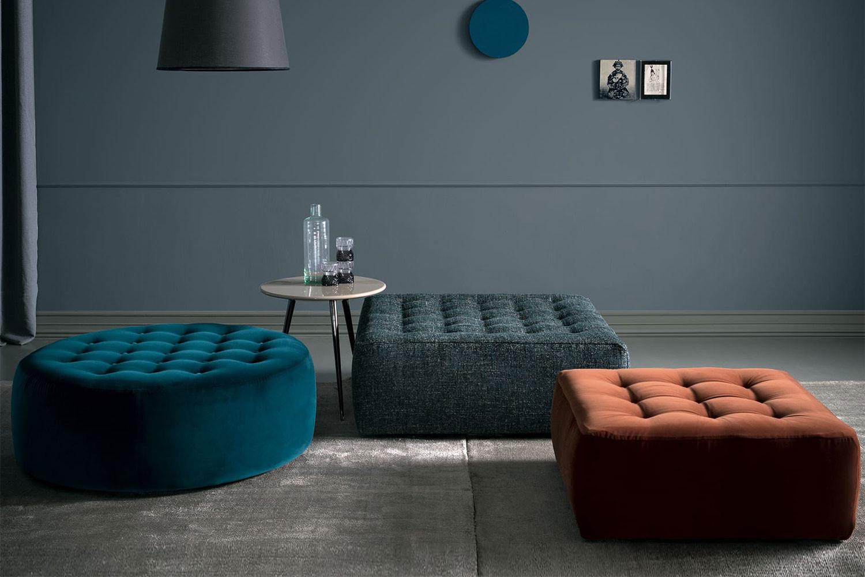 Sumo, Kollektion moderner Polsterhocker mit dekorativen Knöpfen