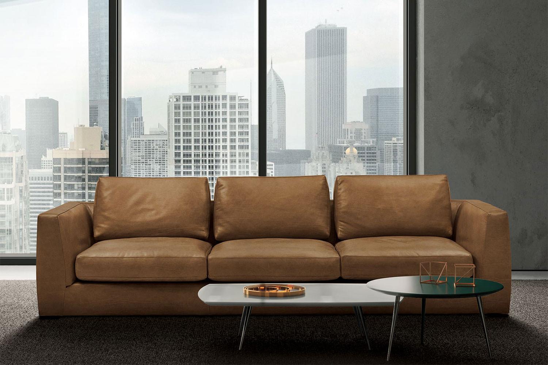Modulares Sofa mit ausziehbarem Sitz, hohen Armlehnen und wengefarbenem Sockel